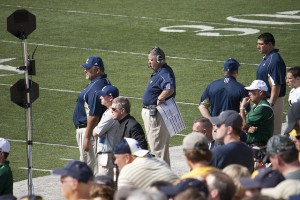 Charlie Weis coaches the Notre Dame football team during a September 2009 game. (Courtesy of Flickr user Larry)