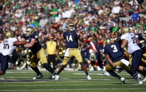 Notre Dame quarterback DeShone Kizer (14) throws a pass against Navy during the first half of an NCAA college football game, Saturday, Oct. 10, 2015, in South Bend, Ind. (AP / Jeff Haynes)